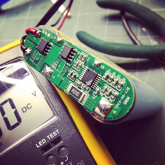 Broken protection board #18650 #youkits #fg01 #hamradio #amateuradio #hamradiouk #electronics #sa6bwx #fluke #18b