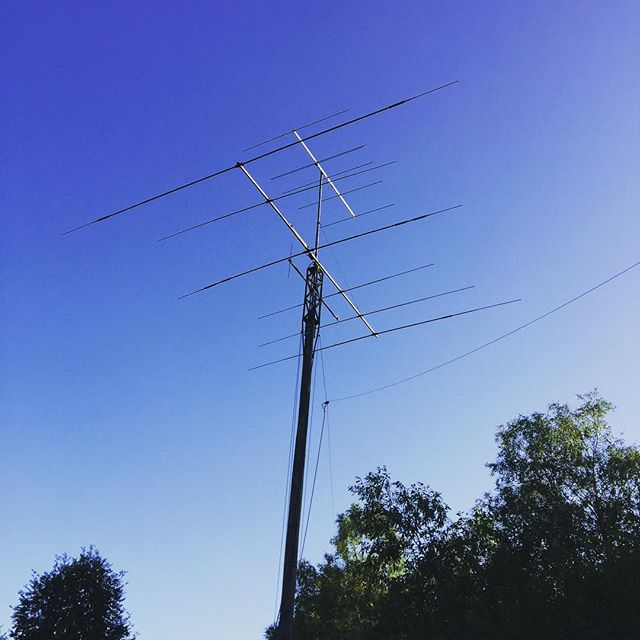 Antennas at local club #sk6lk #th6 #fd4 #6m #yagi #sa6bwx #hf #hamradio #hamradiouk